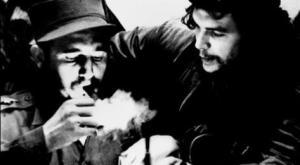 La disparition de Fidel Castro, après 90 années d'une vie extraordinaire dédiée au peuple cubain et à l'émancipation des peuples du monde, tourne une page essentielle de l'Histoire universelle.